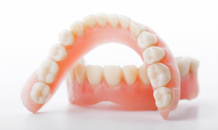 Изображение - Льготы на протезирование зубов инвалидам 2 группы Zuboprotezirovanie-dlya-invalidov-1-2-3-gruppy3-e1544007858309